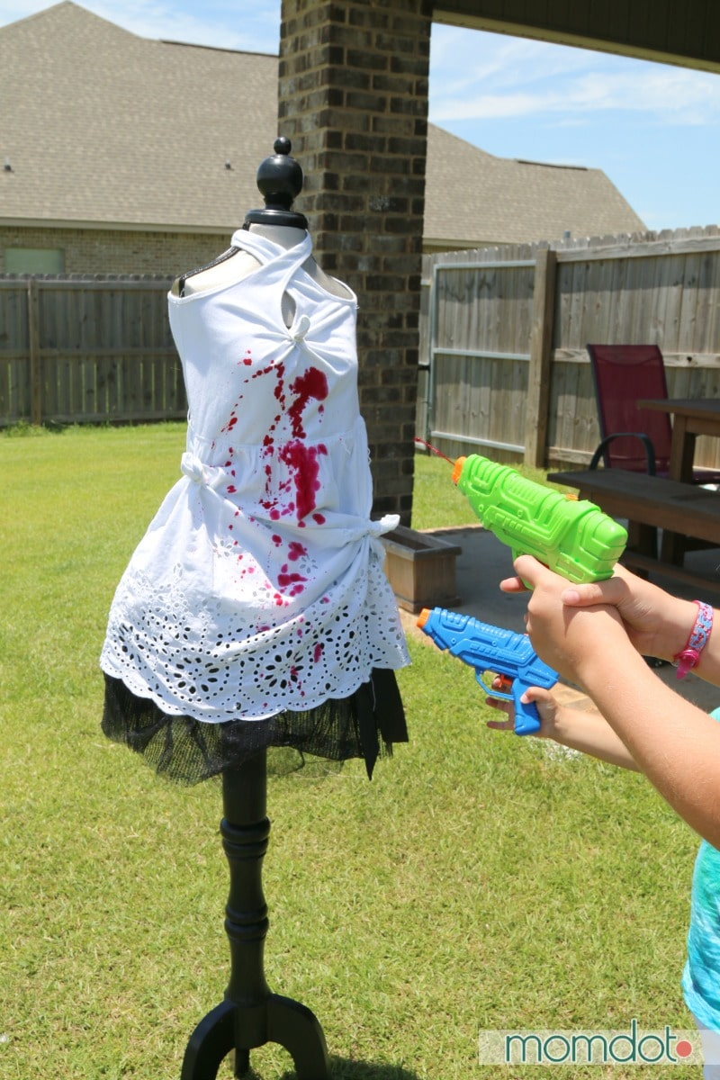 Water Gun Tie Dye : Summer Fun Trashing the Dress! Your kids will love tie dying their clothing no matter how they do it but this makes it ultra fun