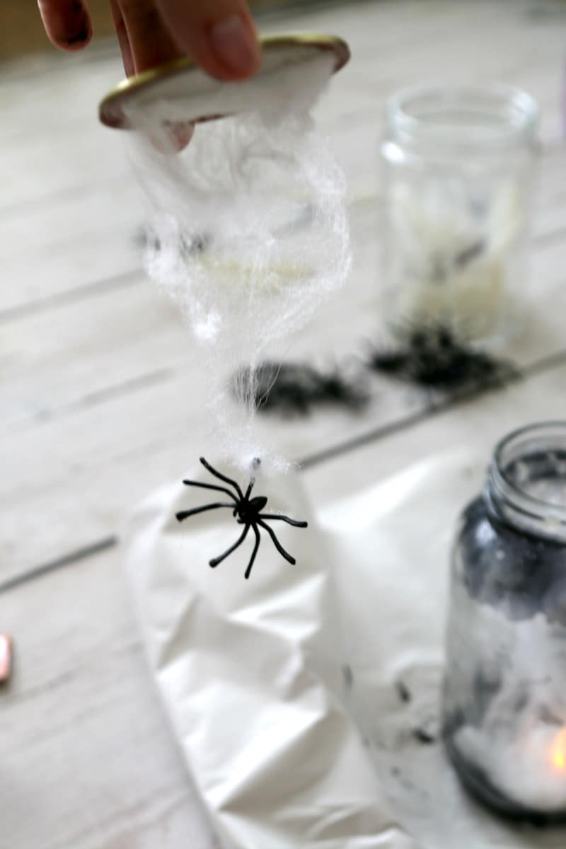 Quot Catch A Spider By Its Toe Quot Light Up Mason Jar Momdot