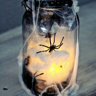 """Catch a Spider by its Toe"":  Light Up Mason Jar"