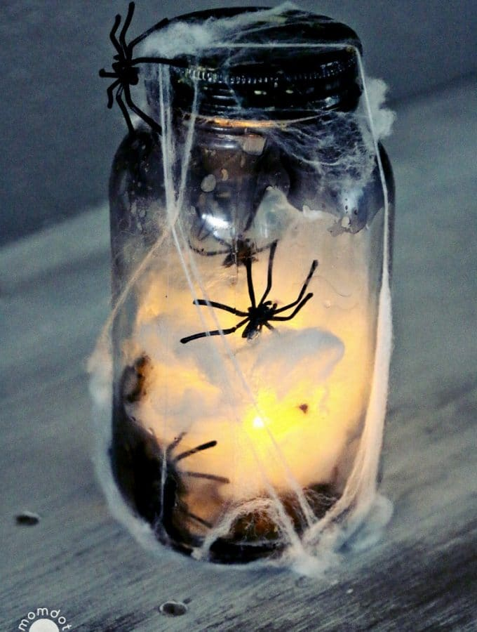 """Catch a Spider by its Toe"":  Light Up Mason Jar"