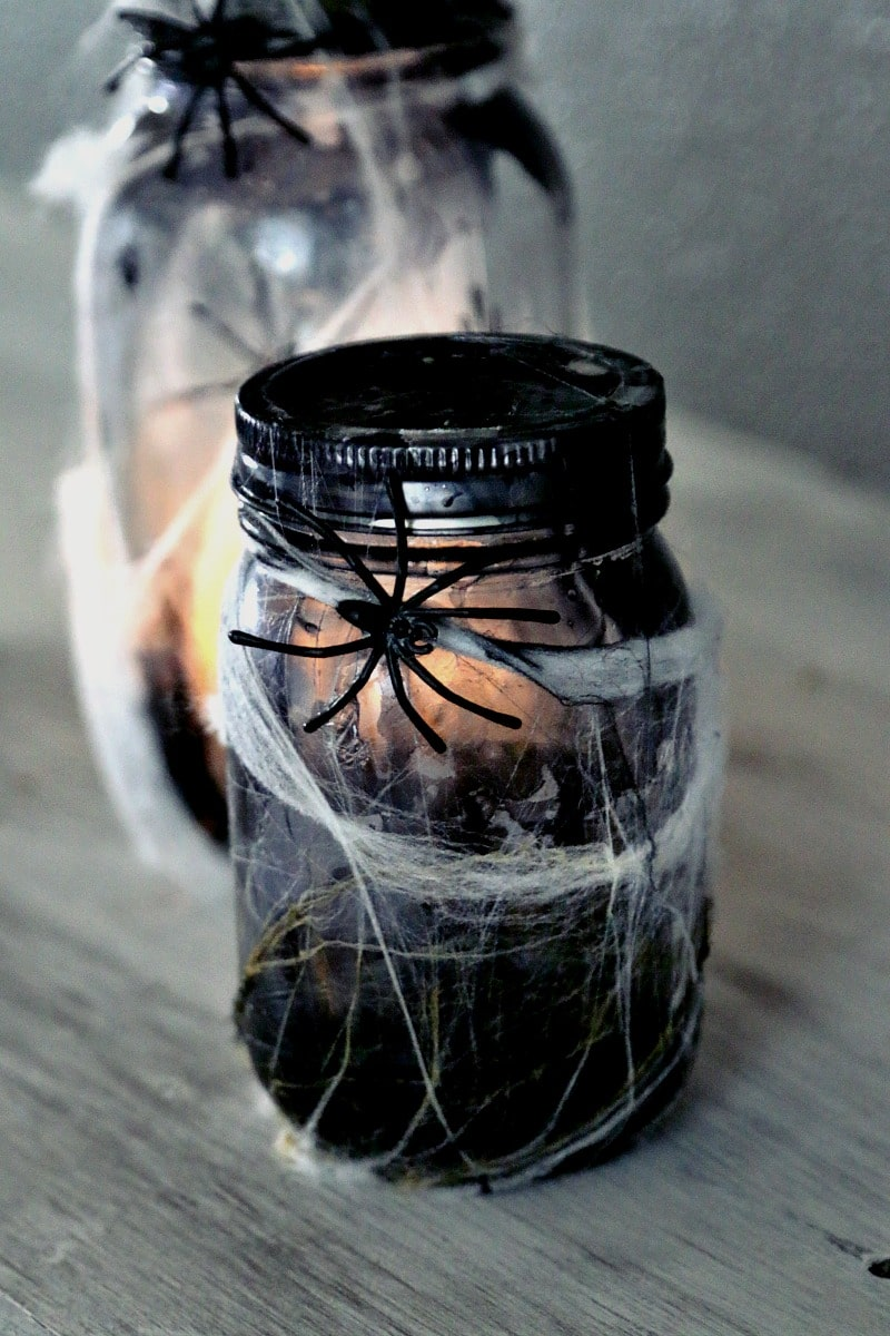 Halloween Mason Jar Crafts: Tutorial on how to make a creepy light up spider jar for halloween decor, center pieces or scary bathroom night light