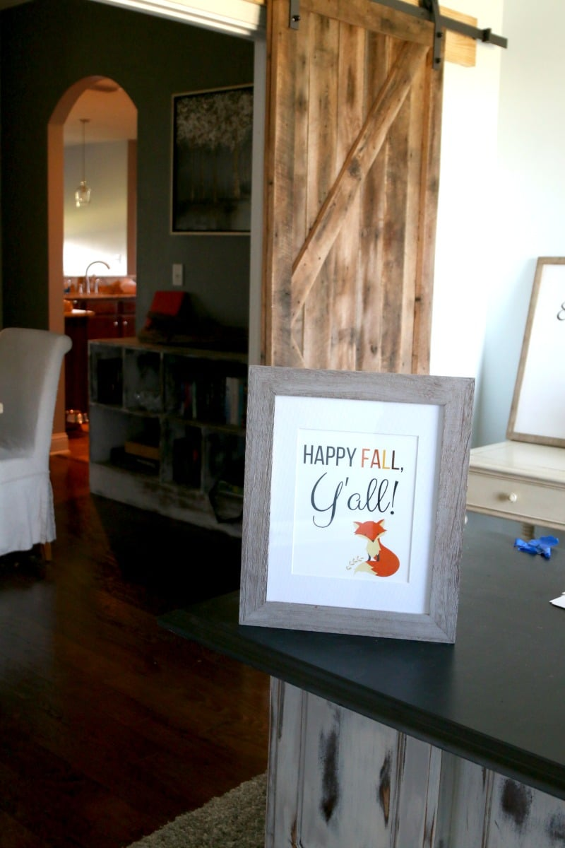 happy fall y all sign