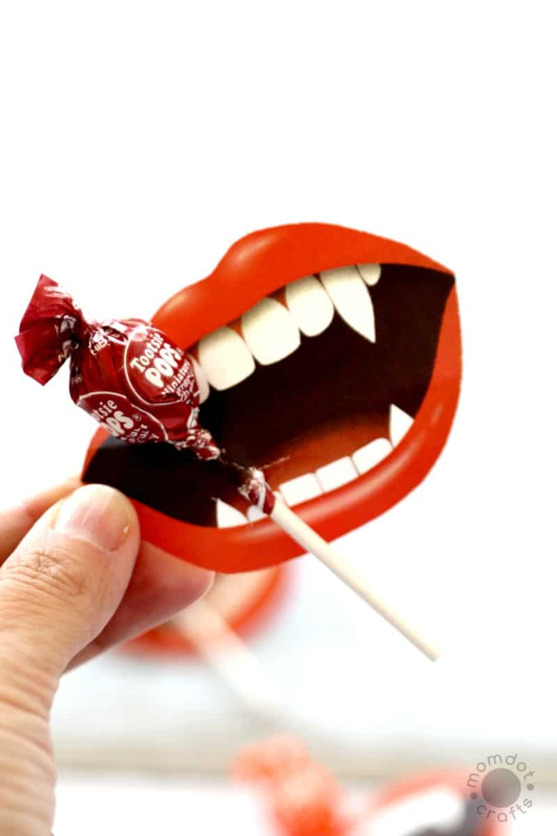 """I Vant to Suck Your Sucker!"" Halloween Printable: Lollipop (Sucker) Vampire Print, just print and add to your sucker for a hilarious classroom party idea or to pass out on Halloween night. Easy craft without the work!"