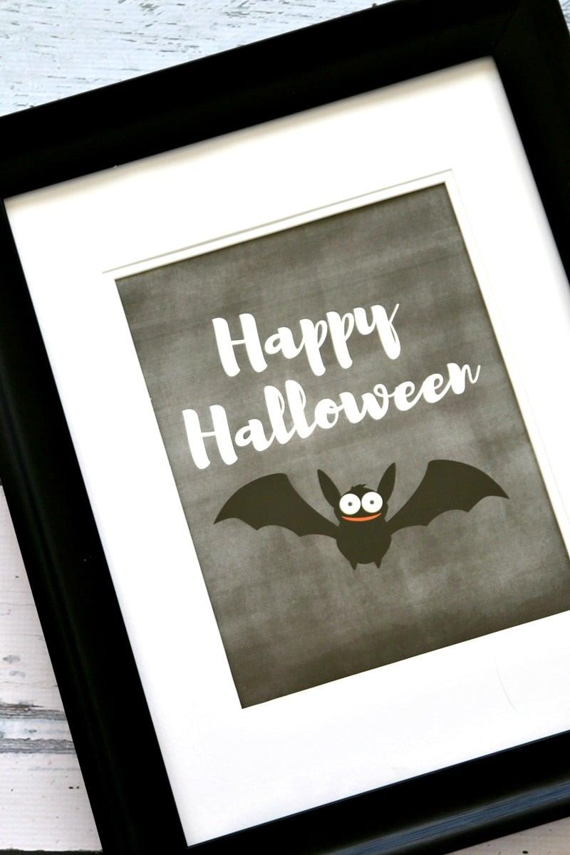 Halloween Printable: Happy Halloween Chalkboard