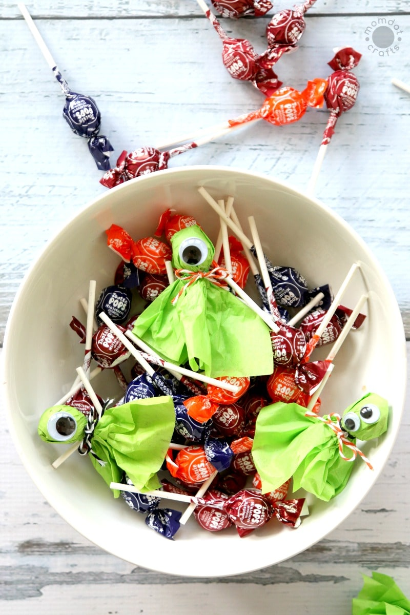 Lollipop (lolly pop) Monsters are just as cute as Ghosts and so fun to make! Just pop a variety of googly eyes for this super fun pass out for Halloween or Classroom parties