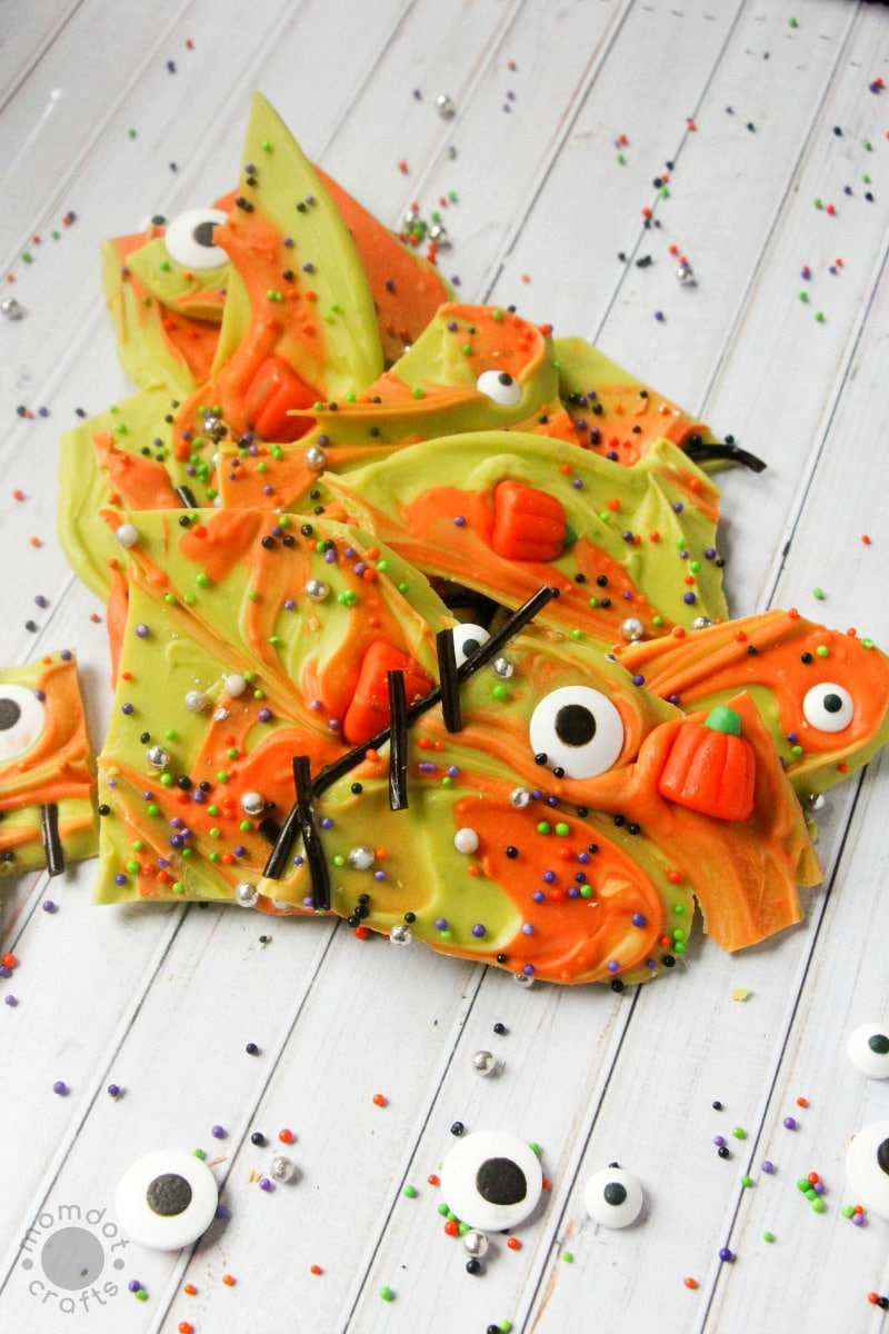 Easy Halloween Bark Recipe: Disassembled Frankenstein - a silly bark recipe for Halloween parties or classrooms, kids love this one