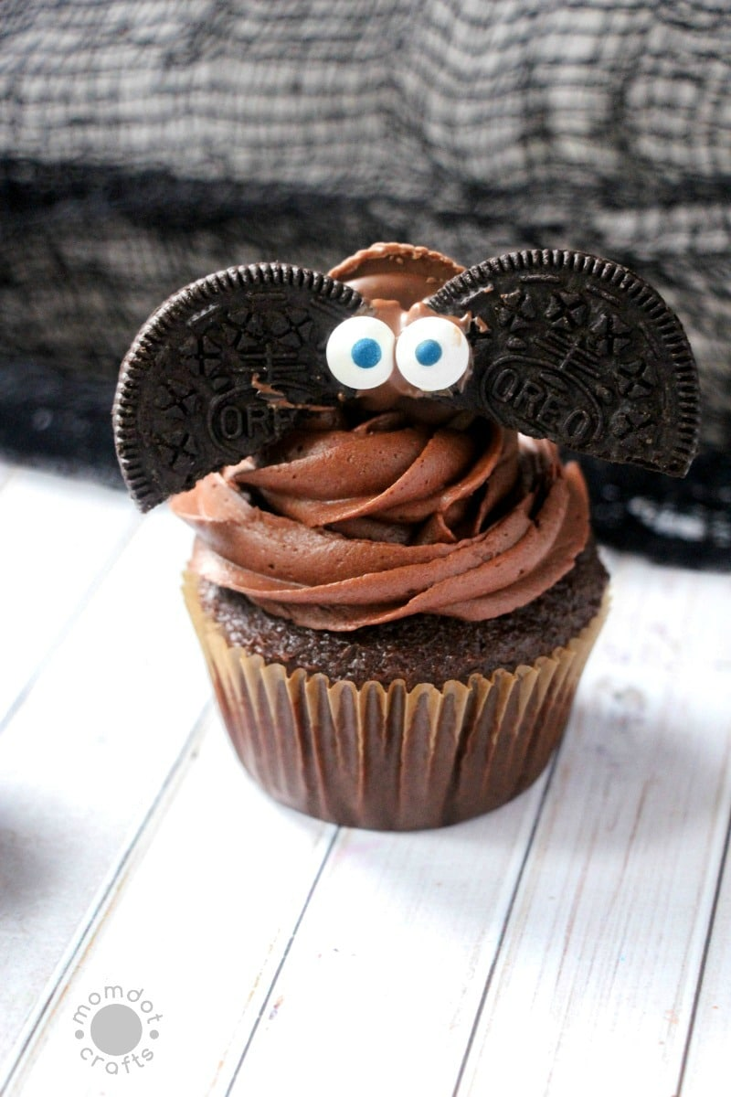 Bat Cupcakes : Make mini chocolate bats as cupcake toppers for instant Halloween Fun - Reeses and Oreos
