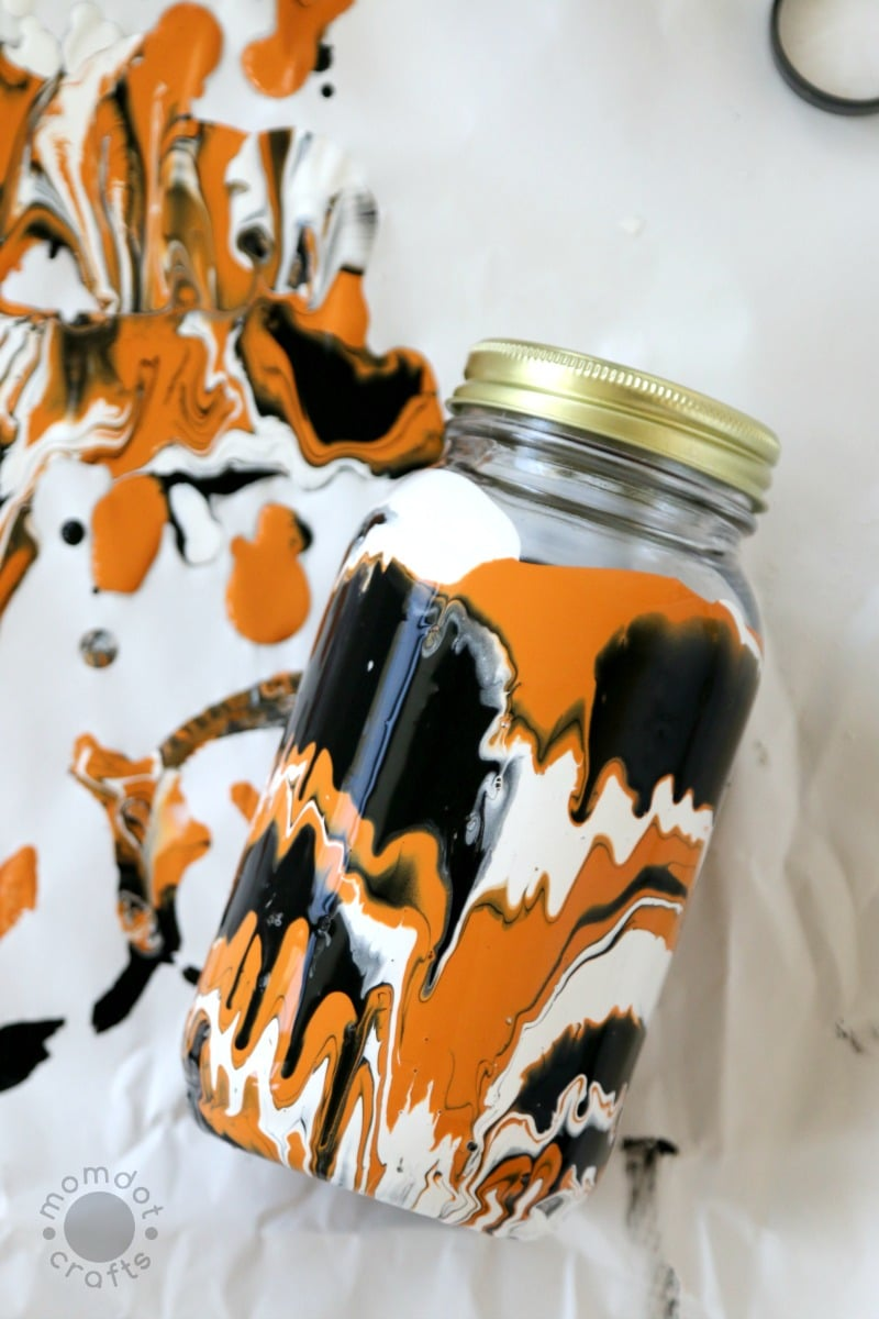 Drip Paint Mason Jars , Fall and Halloween Mason Jar DIY - get the step by step tutorial here with milk paint