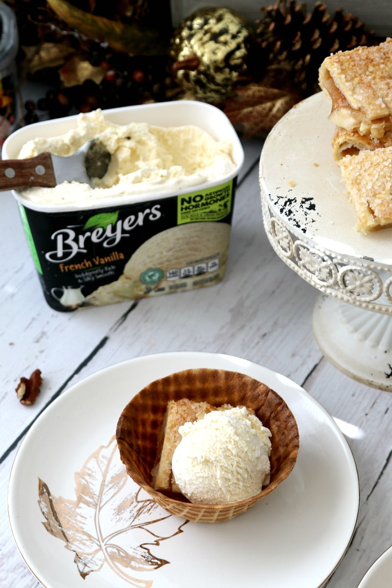 Easy Thanksgiving dessert, serve Apple Strudel in Edible bowls and top with ice cream
