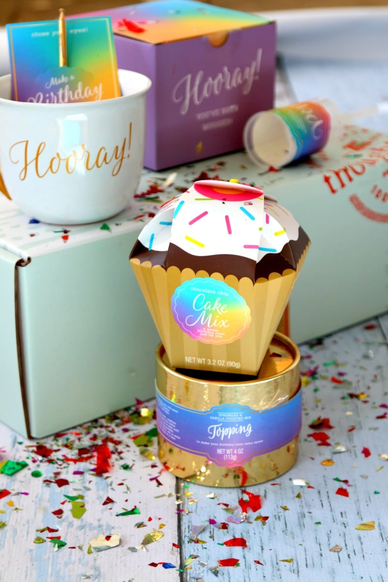 Thoughtfully Gift Boxes for Him, For Her, For boyfriend and best Friends, a gift should be a story, check out some of the top gift boxes for giving this holiday