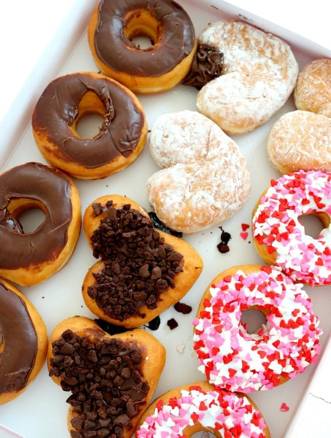 Dunkin' Donuts Valentines Day Flavors Are Here!