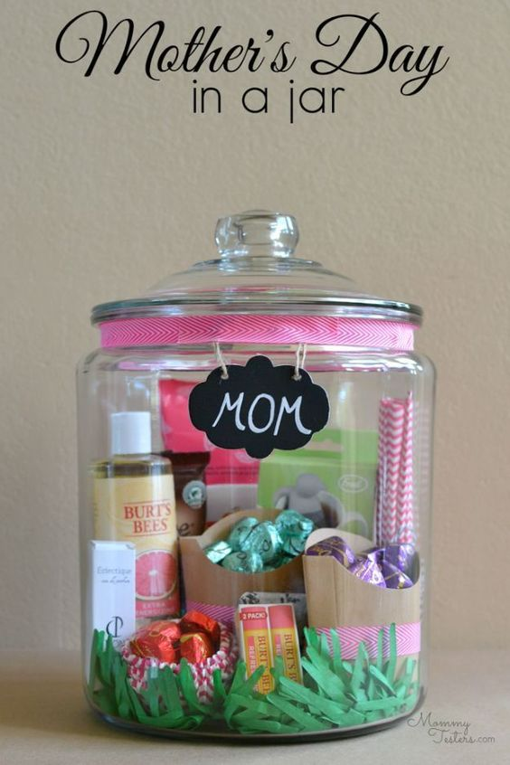 20+ Meaningful Handmade Gifts for Mom