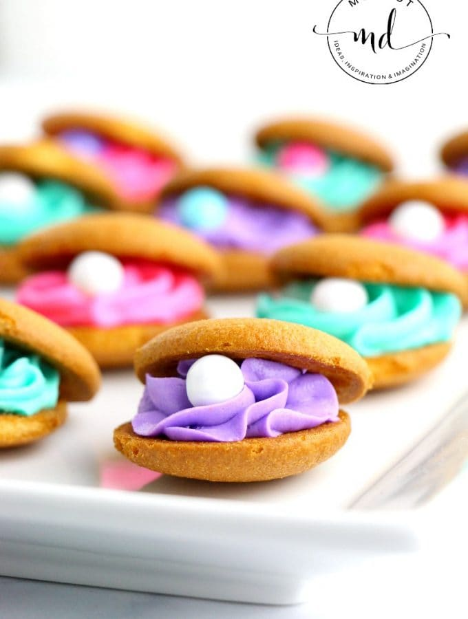 Clam Shell Cookies with Buttercream