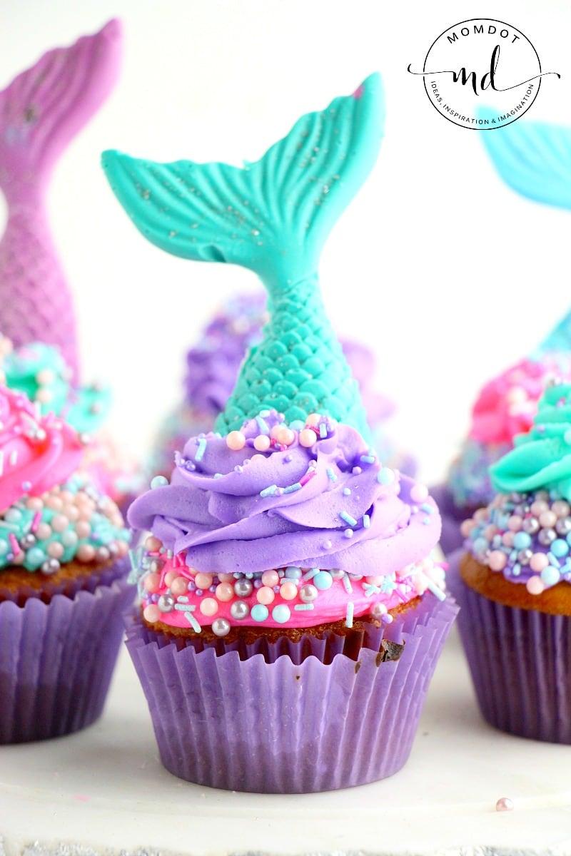 Mermaid Tail Cupcakes | How to make a mermaid tail cupcake