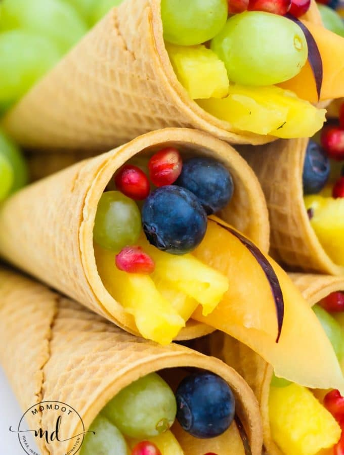 Cornucopia Centerpiece : Fruit and Sugar Cones!