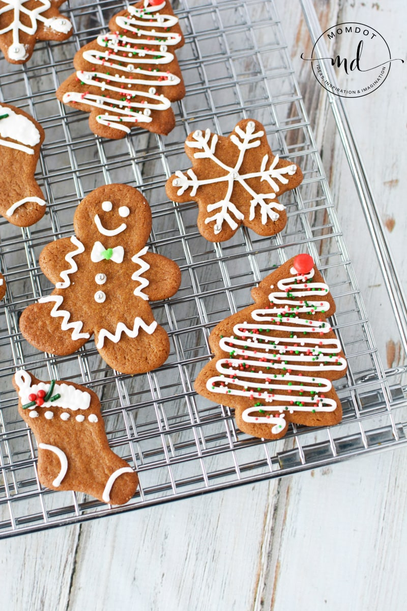 how to make gingerbread cookies the easiest way for perfection every time #christmas #holidays #cookies #recipes #baking