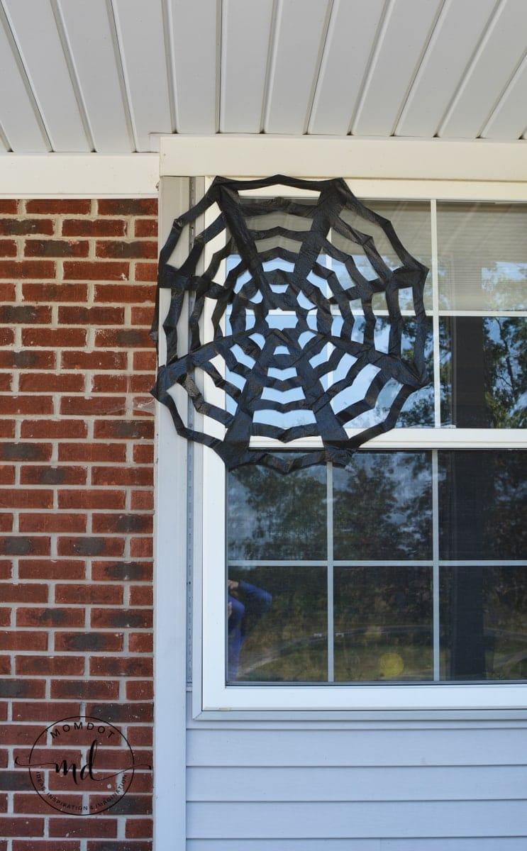 How to make trash bag spider webs | Halloween Decor Tutorial | black trashbag spiderweb DIY step by step