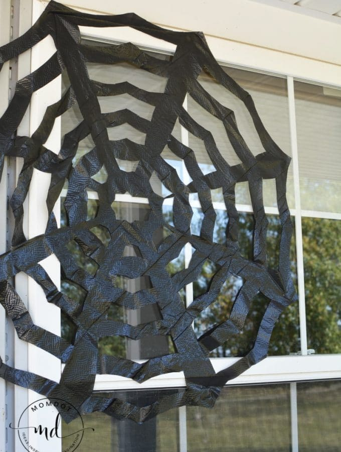 How to make trash bag spider webs | Halloween Decor Tutorial | black trashbag spiderweb DIY step by step