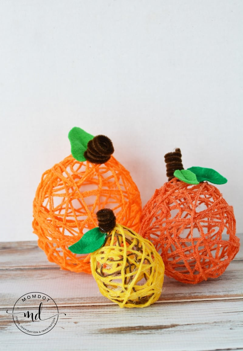 Yarn Pumpkins | How to make Yarn Pumpkins | Simple Balloon Pumpkins for Halloween Crafting