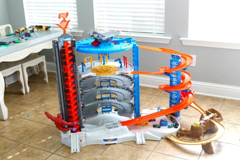 ot Wheels Super Ultimate Garage Review | Top 2017 Toy Idea