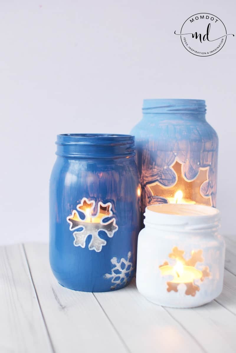 Snowflake Mason Jar DIY | Christmas Mason Jar Tutorial | How to Paint Mason Jars for Centerpieces