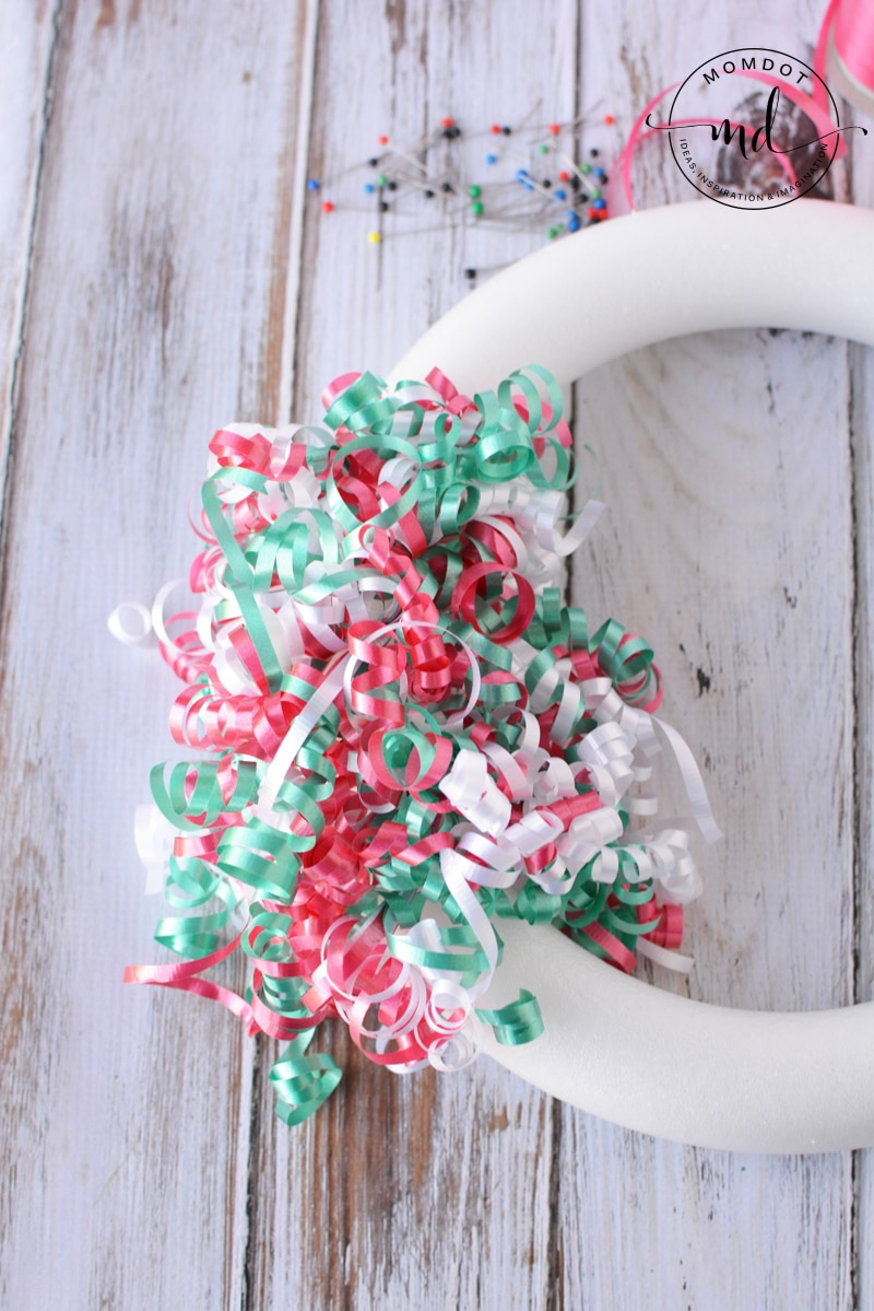 Christmas Wreath DIY with Curling ribbon DIY tutorial